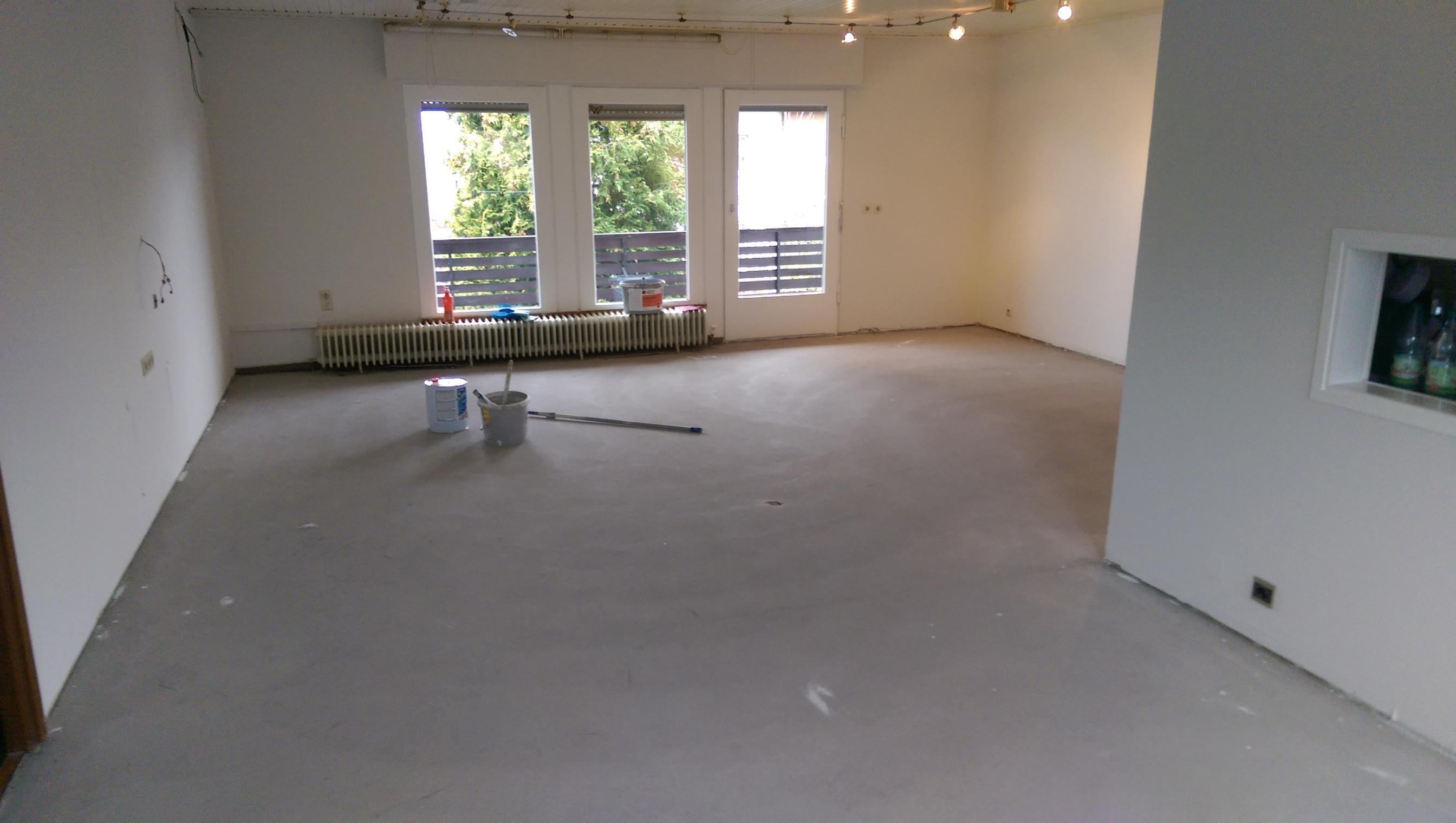 Mandic Baudekoration – Holzdielen – Bodenbelag – vorher