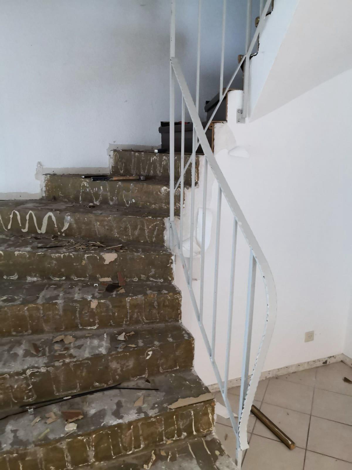 Mandic Baudekoration Treppe Bodenbelag (1)