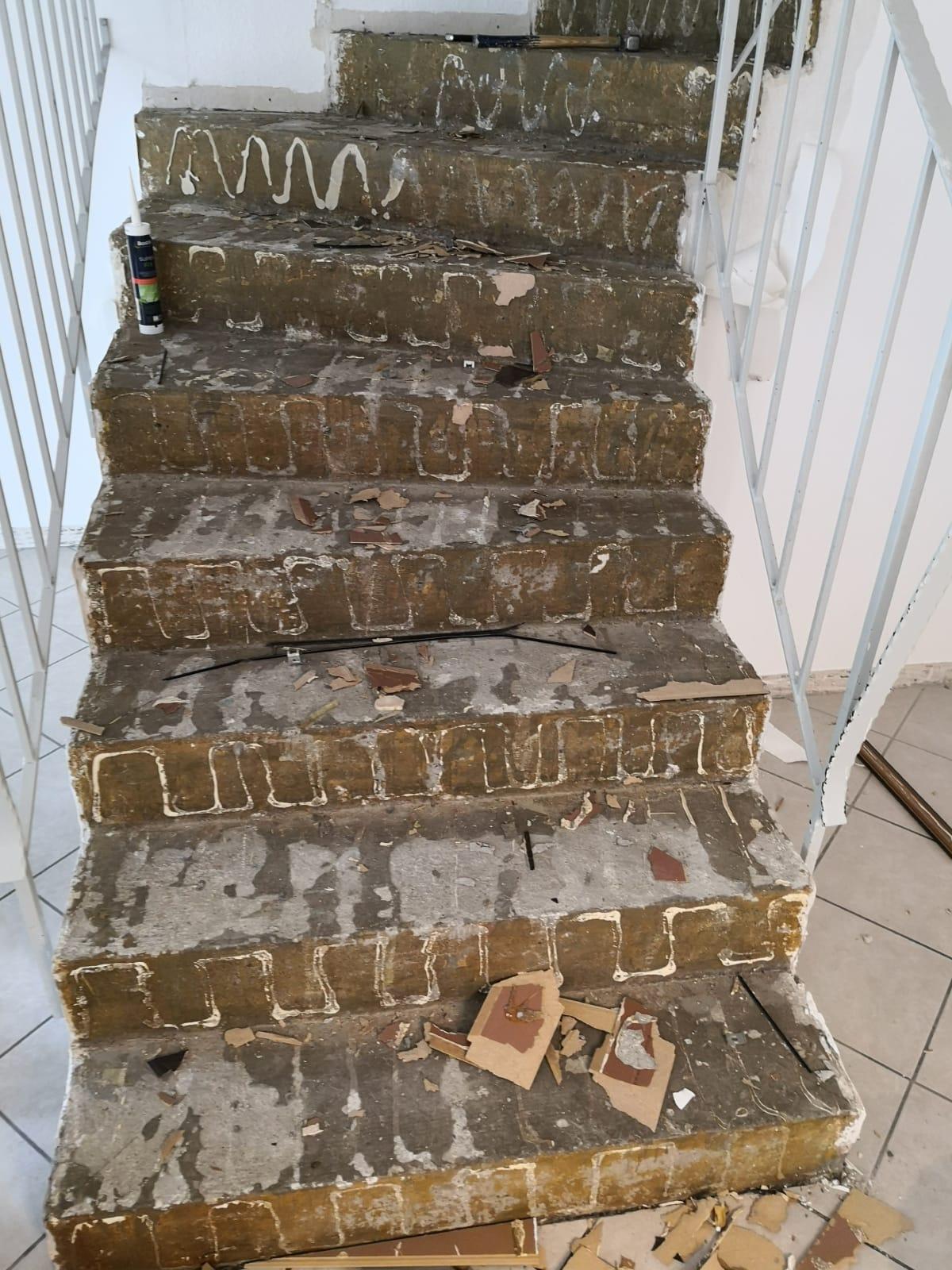 Mandic Baudekoration Treppe Bodenbelag (2)