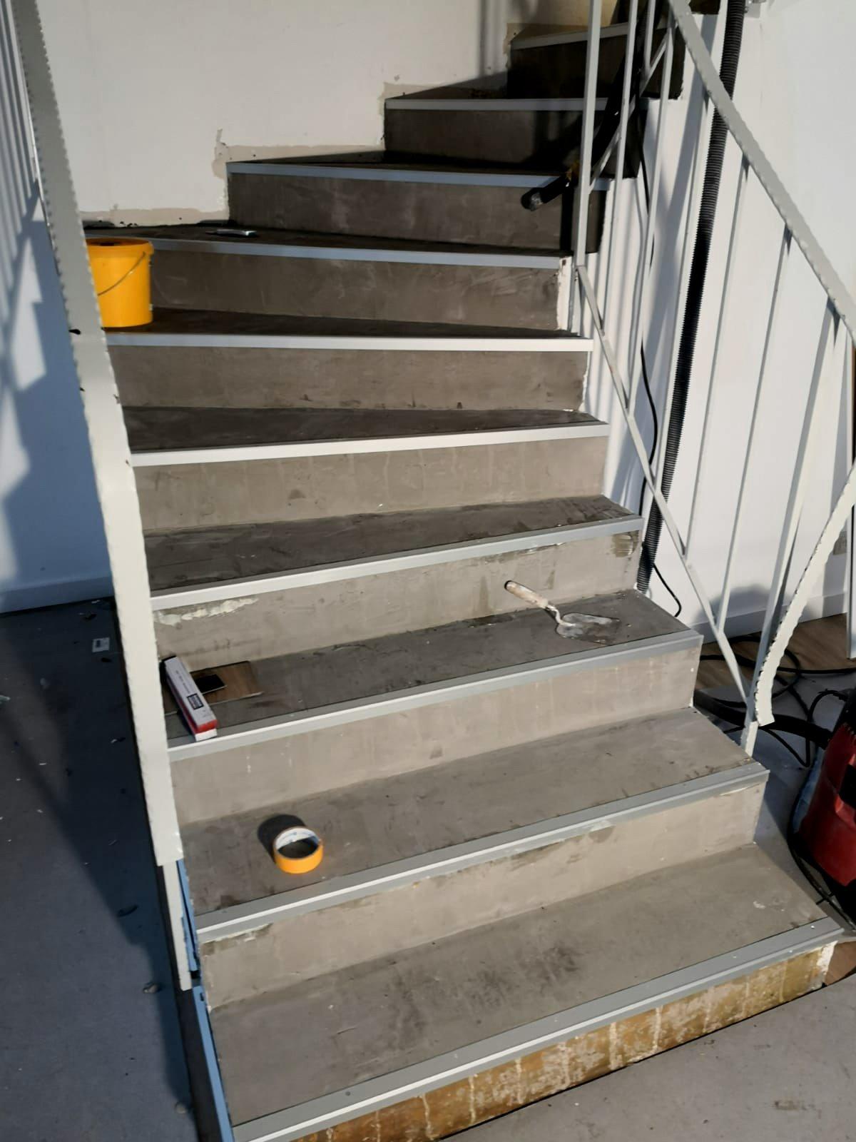 Mandic Baudekoration Treppe Bodenbelag (3)